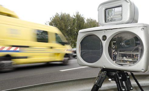 Radar mobile embarqué : Help Avocat vous informe de ce qu'il faut savoir du radar mobile flash et des possibilités de contestation de PV.
